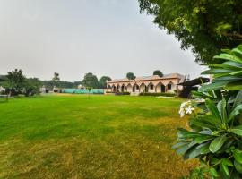 SPOT ON 61222 Pari Palace