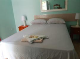 The Cliff Apartment, hotel in Kingston