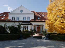 Dworek Romanowski, family hotel in Sułowo