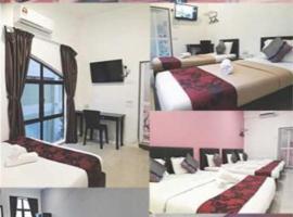 Max Ferringhi Hotel, guest house in Batu Ferringhi