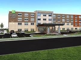 Holiday Inn Express & Suites - Grand Rapids Airport - South