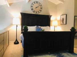 King Bed Citrus Oasis Loft In Old Town Scottsdale