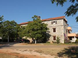 Apartments with a parking space Barici (Umag) - 7003