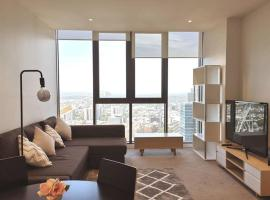 Melbourne CBD Apartment with Luxury Private Facilities, luxury hotel in Melbourne