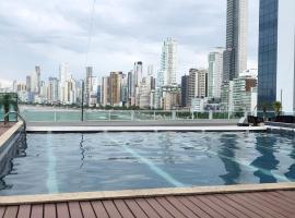 Loft com vista para o Mar, hotel with jacuzzis in Balneário Camboriú