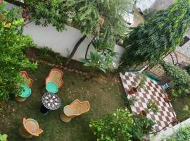 Tree House Homestay, homestay in Agra