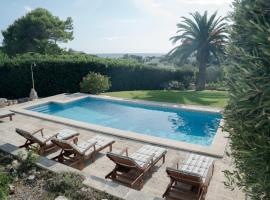 Binibequer Vell Villa Sleeps 10 with Pool and WiFi
