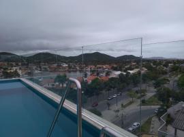 Suíte em Cabo Frio PASSAGEM - CENTRO - PRAIA DO FORTE, hotel in Cabo Frio