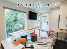 NEW Eclectic TINY HOME in NoDa close to Uptown