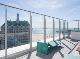 ENVITAE 2BR Luxury Penthouse Steps to Beach & Convention Center