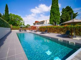 Hotel Pont Levis - Franck Putelat, hotel with jacuzzis in Carcassonne