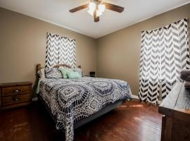 ◈ Bright Door Bungalow ◈ 2BR/1BA ◈ Pet Friendly