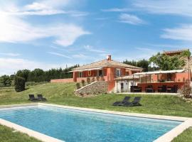 Roussillon Villa Sleeps 8 with Pool and WiFi