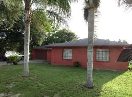 Perfect Cozy Orlando Family Home