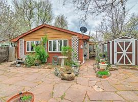Charming Boulder Cottage - Walk to Pearl Street!, pet-friendly hotel in Boulder
