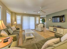 Wildwood Townhome w/Patio - 1 Block From The Beach