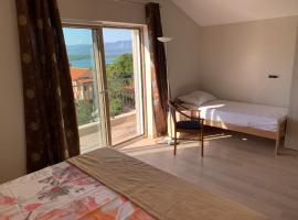 Kuca za odmor Anzhelika, room in Soline