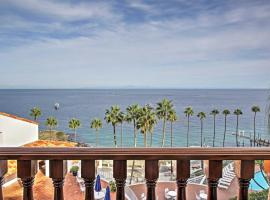 Quiet Avalon Townhome Villa w/Ocean View & Balcony, hotel with jacuzzis in Avalon
