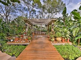 Sarasota Cottage w/Steam Room, Pergola&Water Falls