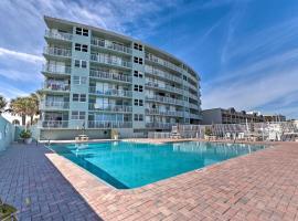 Oceanfront Daytona Studio w/ Views & Pool Access!