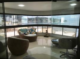 Apartamento Frente Mar no Centro de Itapema com 3 Suítes, apartment in Itapema