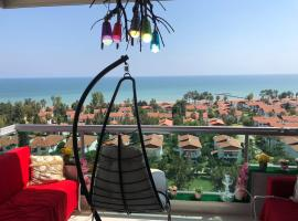 GoldenPark King Suites with Balcony & Sea view, מלון במרסין