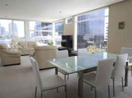 Docklands Luxury Penthouse Right Above The District Docklands, luxury hotel in Melbourne
