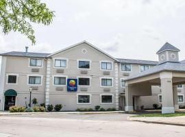 Comfort Inn River's Edge, hotel in Huron