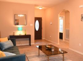 Spacious 3/2 home near NRG Stadium, Texas Medical Center & Museum District! - Davenport - Houston House