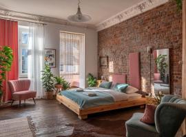 visitting apartments - Pomorska, pet-friendly hotel in Wrocław