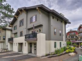Modern Townhome w/Fire Pit in Downtown McCall