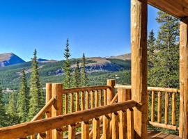 Grand Fairplay Cabin w/ Deck & Mountain Views, hotel in Fairplay