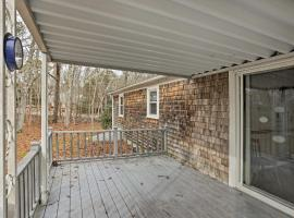 Quiet Brewster House w/Deck - Mins to Bay Beaches!