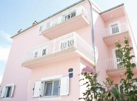 Ivic Apartments Vodice Croatia, hotel in Vodice