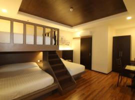 FAIRCROWN SUITES, hotel near D' Bone Collector Museum, Davao City