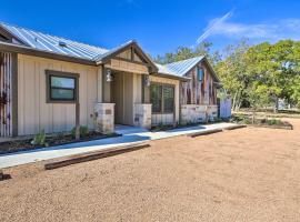 Wine Country Couples Condo - Walk to Main St!