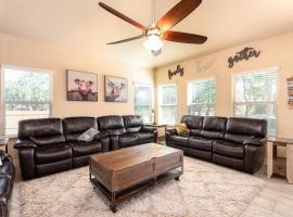 Lackland Landing - A Birdy Vacation Rental