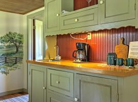 'Valley View' Fredericksburg Cottage on 37 Acres!