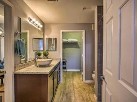 Chic Clearwater Condo w/Balcony & Pool Access