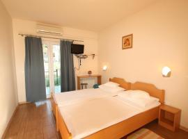 Cozy room in Porec city entrance