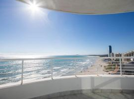 Oceanfront Panoramic Beach View, hotel in Strand