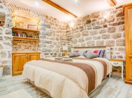 Kotor Bagus - Cozy Boutique Old Town Studio with Seaview Terrace