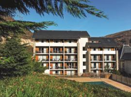 Les Trois Domaines 2/3p 5/6, hôtel à Ax-les-Thermes