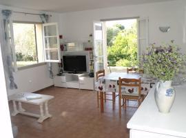 Logement spacieux, lumineux et confortable, hotel in Sari Solenzara