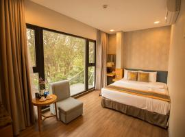 The Blue Airport Hotel, hotel near Tan Son Nhat International Airport - SGN,