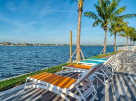 FUSION Resort Two Bedroom Suites, hotel near Treasure Island Golf Tennis Recreation Center, St Pete Beach