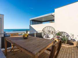 ARES - Vue Mer - Acces direct plage, hotel in Le Grau-d'Agde