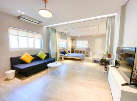 NEW The Grey Suite near Shihlin Night Market