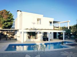Modern Villa Steps Away From The Beach