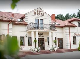Dworek za Lasem, hotel in Warta